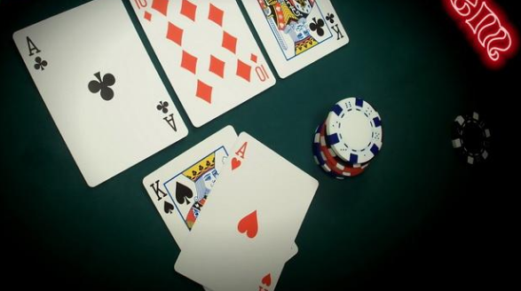 Playing in a Trusted Online Poker