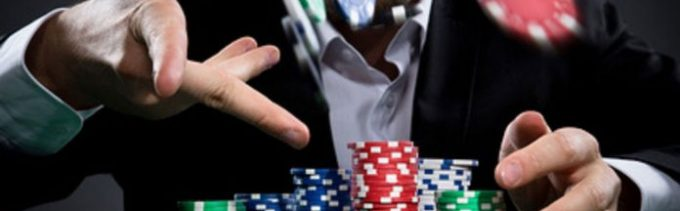 How to play online poker with a group of friends